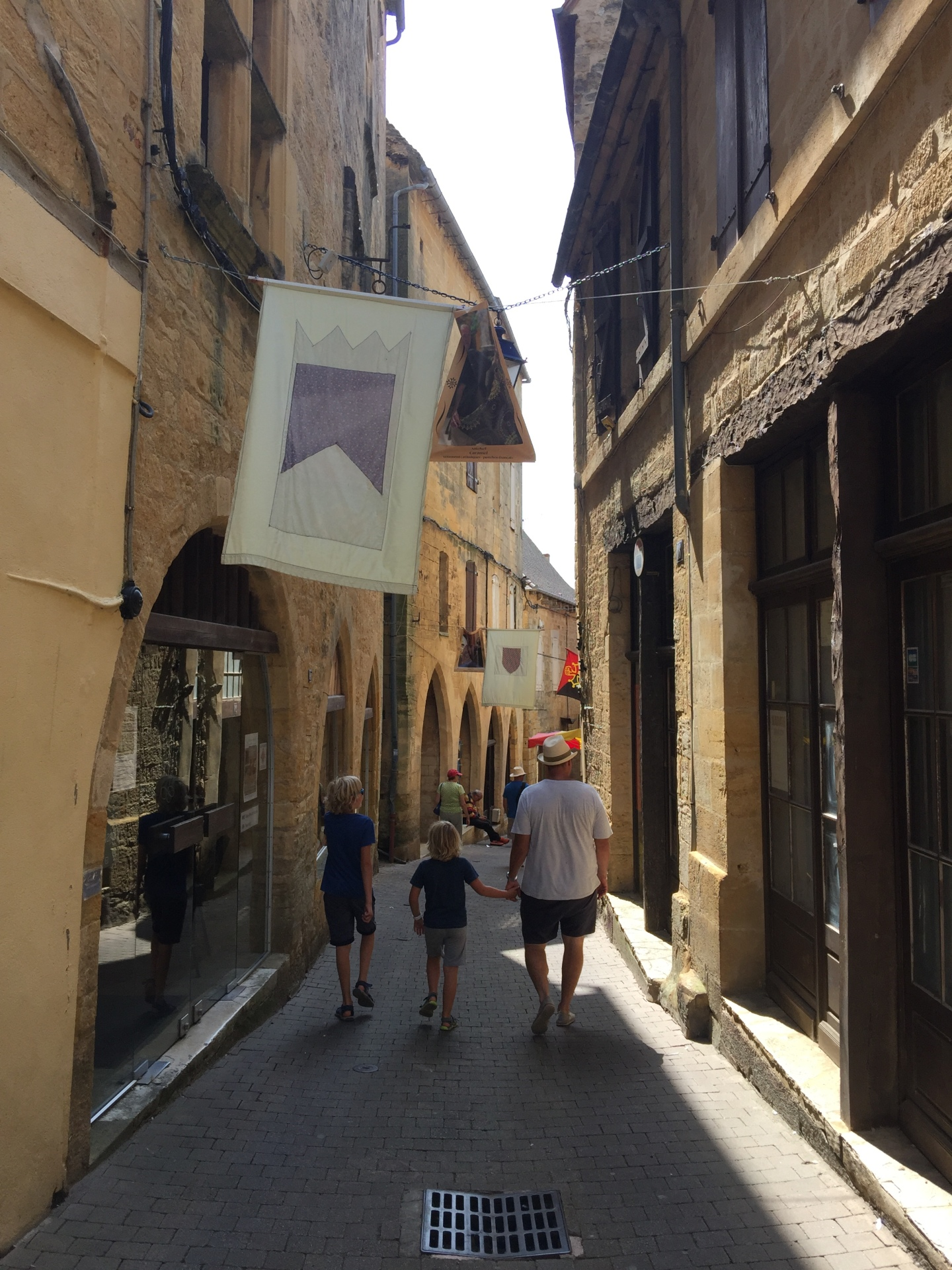 Strolling through the medieval streets of Gourdon